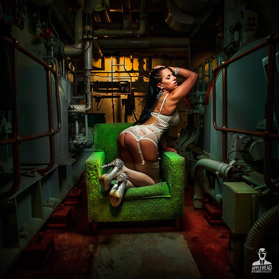 bunker_chair_w