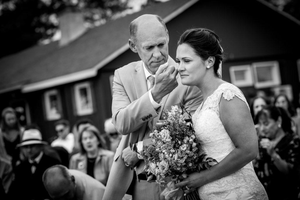 white-point-wedding-brittany-jeff-emma-applehead-12