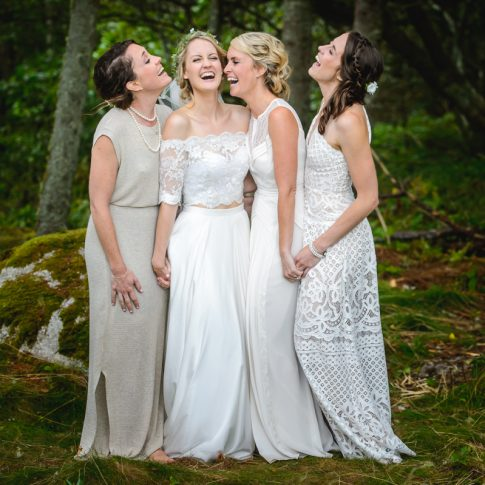 oceanstone applehead video wedding photography bridal party outside