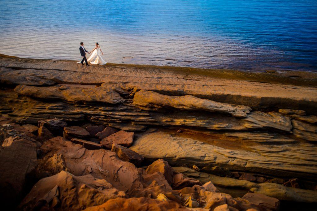 applehead-pat-brittany-fox-harbour-wedding-bride-slip-fall-water06