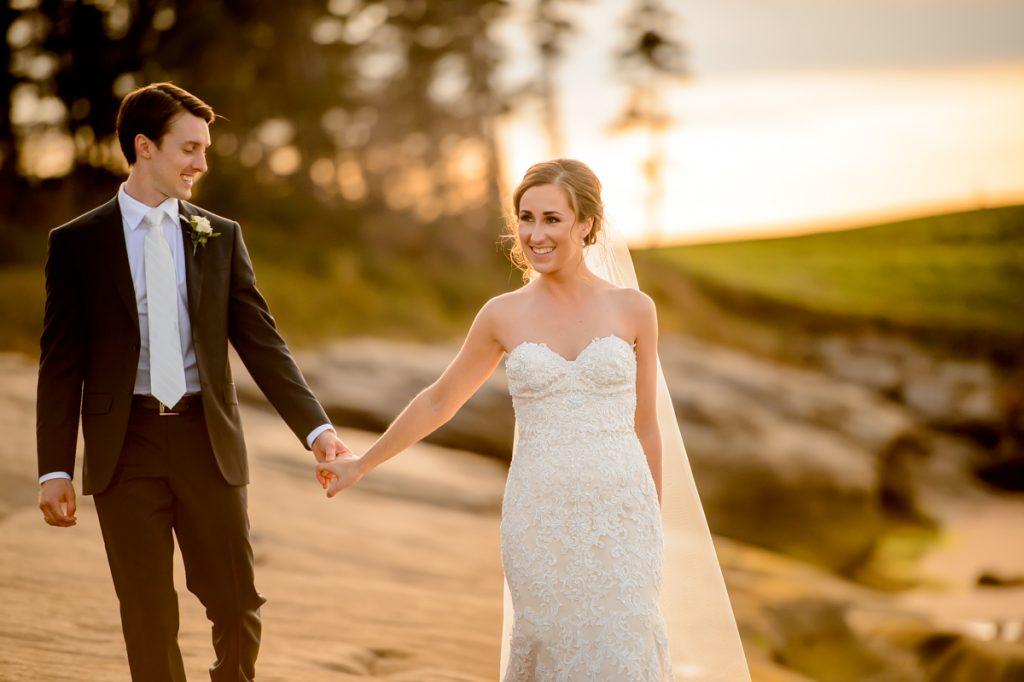 applehead-pat-brittany-fox-harbour-wedding-bride-slip-fall-water07