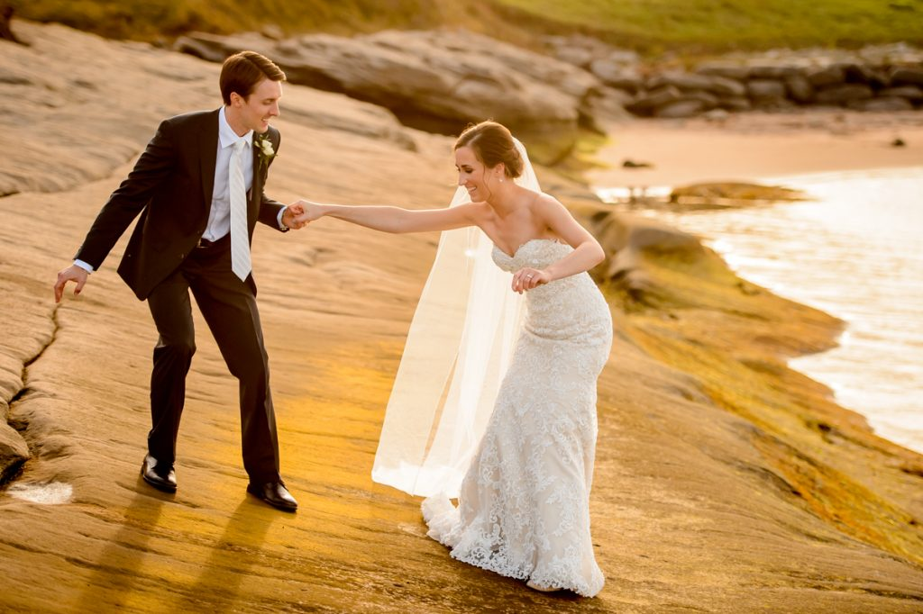 applehead-pat-brittany-fox-harbour-wedding-bride-slip-fall-water08