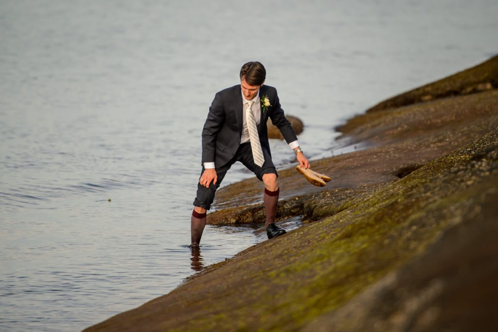 applehead-pat-brittany-fox-harbour-wedding-bride-slip-fall-water17