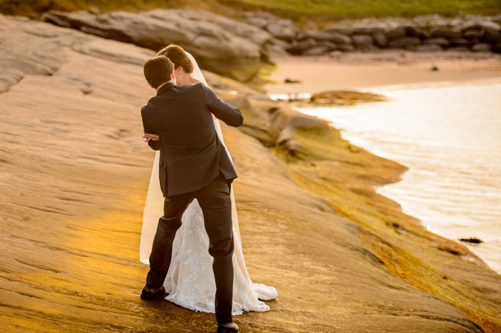 applehead-pat-brittany-fox-harbour-wedding-bride-slip-fall-water09