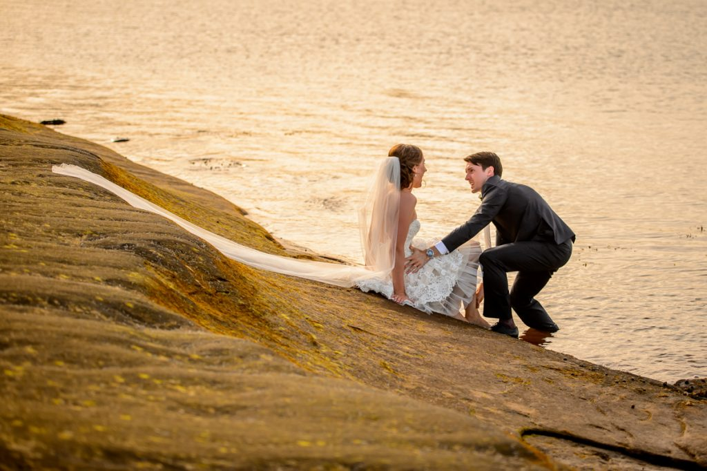 applehead-pat-brittany-fox-harbour-wedding-bride-slip-fall-water13
